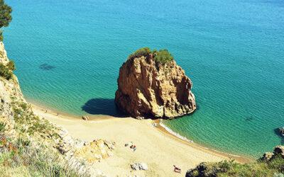 Cala de L' Illa Roja en Begur (Costa Brava)