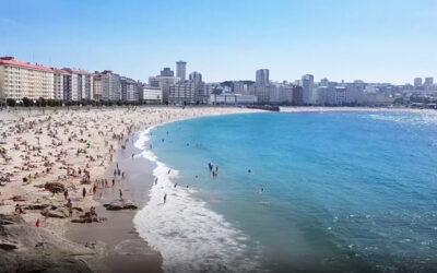 Playa de Riazor en A Coruña (Galicia)