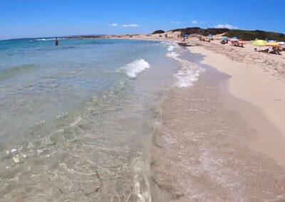 Playas nudistas en Ibiza - Playa Es Cavallet