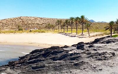 Visitar la playa de Percheles en Mazarrón