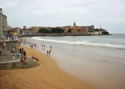 Playa de San Lorenzo en Gijón (Asturias)
